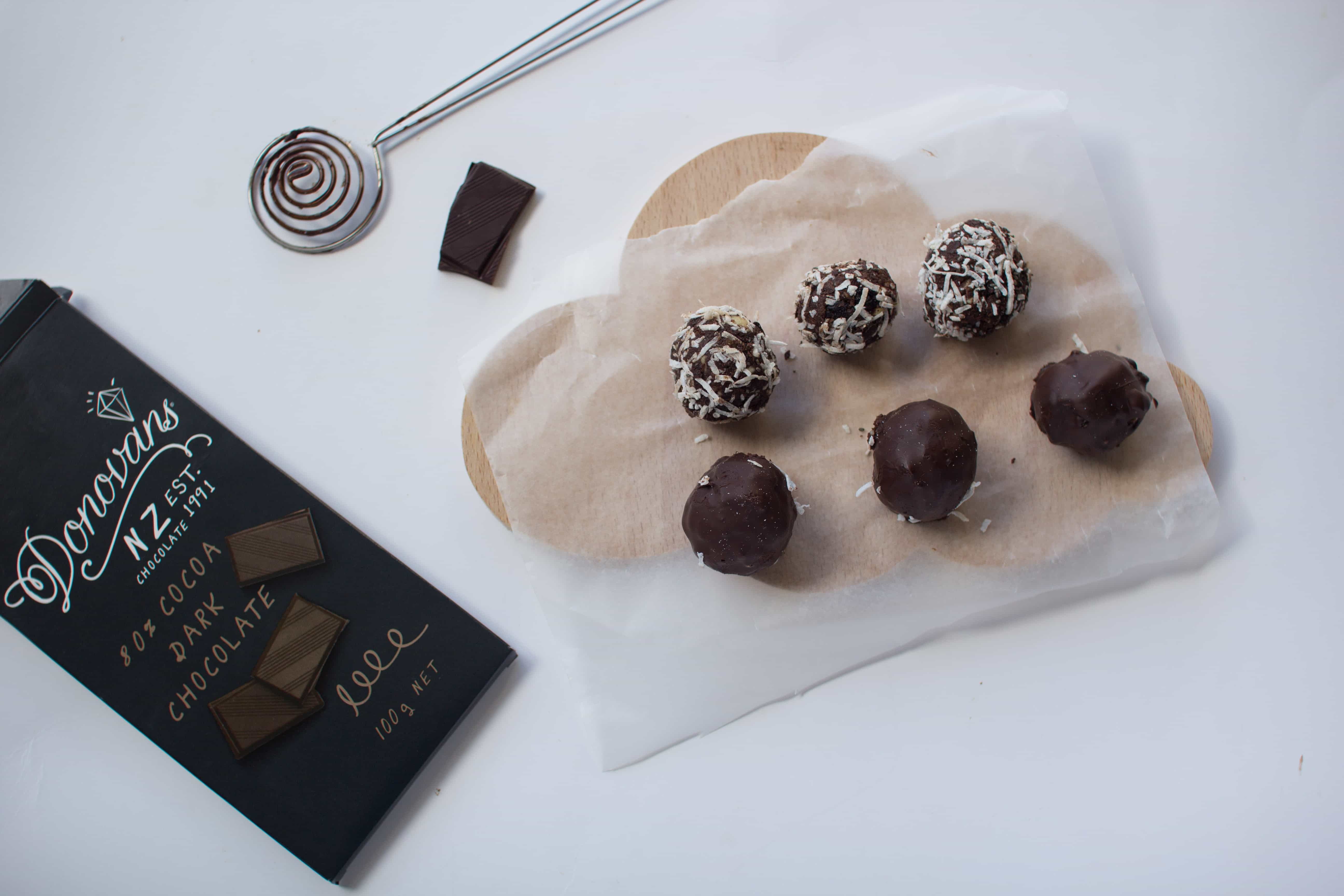 Apricot Chocolate (date free!) Bliss Balls