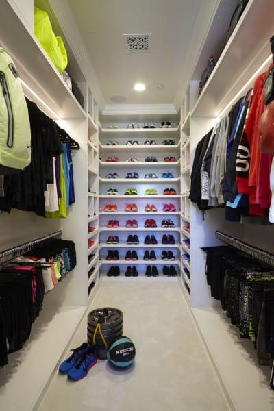 khloe-kardashian-closet-1-683x1024